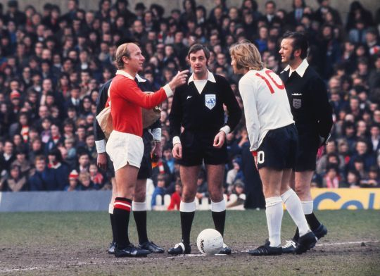 Bobby Charlton captains United against Sheffield United, captained by Tony Currie.