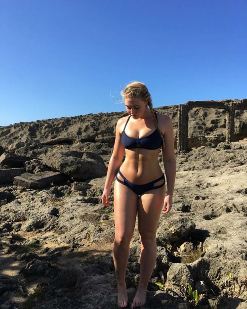 Iskra Lawrence - Body Goals 2016