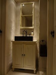 Komuutista lavuaarikaappi #bathroom