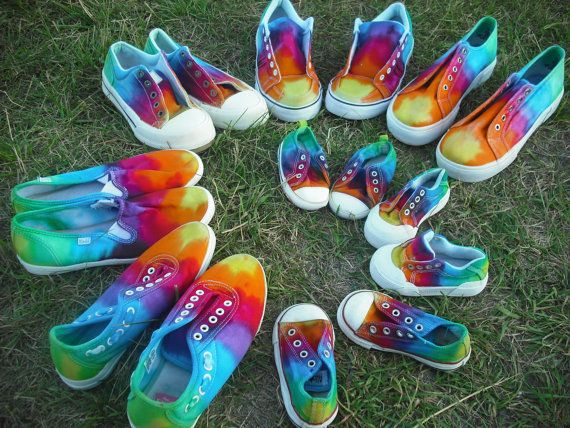 tie dye shoes - totally want to do this for the kids