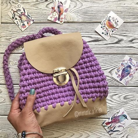 ну какой красивый рюкзачок мама заказала для дочи...прелесть ☺️ Размер 21*23 см Натуральная кожа, внутри подкладка. Цена 21000 тенге. #хендмейдназаказ #hand_craft #рукодельничаю #hand_made_accessories #рукоделиеназаказ #knittingkatrin #творческаялевша #aktaukz #aktauinsta #aktau_insta #актау #актау7292 #актаусити #актауинста #knitting #актауда #актауактау #вяжу #актаудомадома #aktaugram #aktauda #mmmrcatrin #вяжуназаказ #вязаныйрюкзак #вязанаясумка #сумканазаказ #вяжу #вяжукрючком #вя...