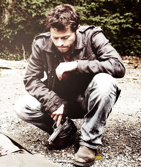 "Woah Misha looks absolutely sexy in this picture (well he always does:)) Castiel in ""The End"" #Supernatural"