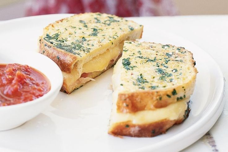 What happens when you cross French toast with the classic cheese and ham toastie? Try this recipe and find out!