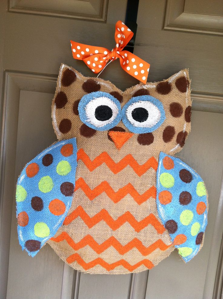 burlap owl | Burlap chevron owl door hanger | Crafts.    Tiffany would like this...// I totally love it! Lol.
