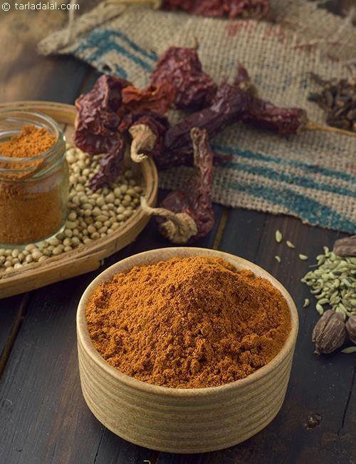 Pav Bhaji Masala, Homemade Pav Bhaji Masala recipe   by Tarla Dalal   Tarladalal.com   #40578