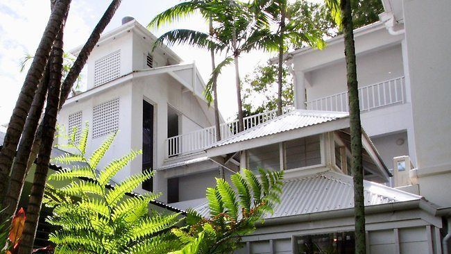 The Reef House Boutique Resort, Palm Cove, Cairns. Sun, fun and long lazy days by the pool- heaven!
