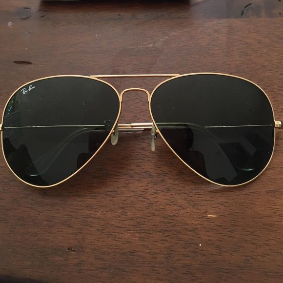 Ray bans Aviators SALE SALE SALE Good condition authentic Ray-Ban Accessories