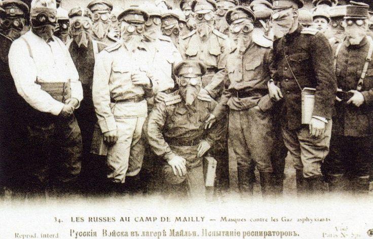 Les brigades Russes en France - Essais de masque a gaz
