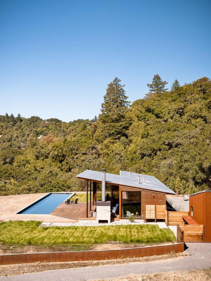Malcolm Davis Architecture built an off the grid home, an amazing indoor/outdoor living space - CAANdesign | Architecture and home design blog