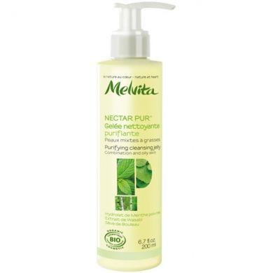 Découvrez le Gelée nettoyante purifiante Melvita, une gelée moussante légère et rafraîchissante, spécialement formulée pour les peaux mixtes à grasses.Ellerespecte l'équilibre de la peau et la nettoie tout en douceur.Grâce à s...