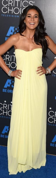 Who made Emmanuelle Chriqui's yellow strapless gown?