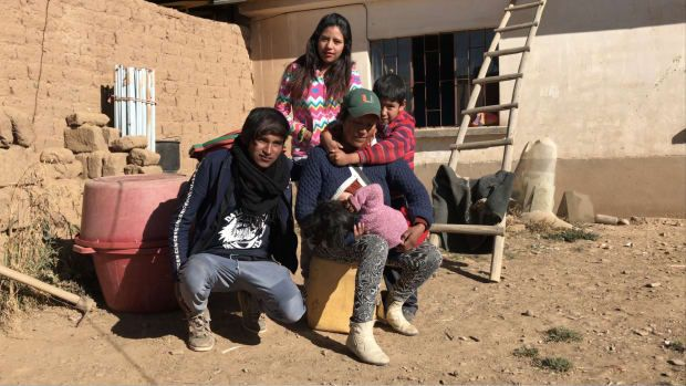 Help us preventing three families in Bolivia to separate | Crowdfunding is a democratic way to support the fundraising needs of your community. Make a contribution today!
