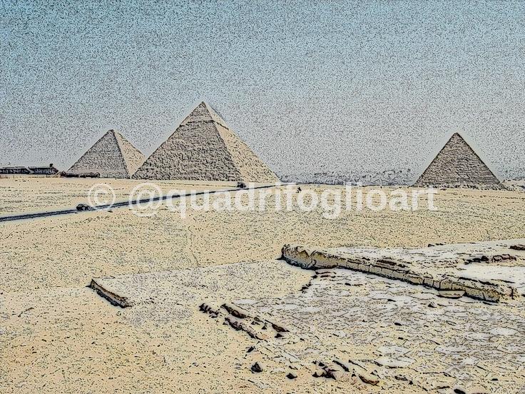 Piramides, en carbonilla