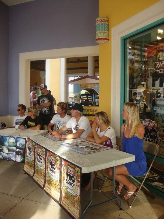 At Prime Outlets, Barceloneta in TheRoom Surf & skate shop.Rip Curl Pro Search 2010 Surfers: Joe Curren, Taylor Knox, Koa Smith, Dillon Perillo, Pauline Ado and Bethany Hamilton!