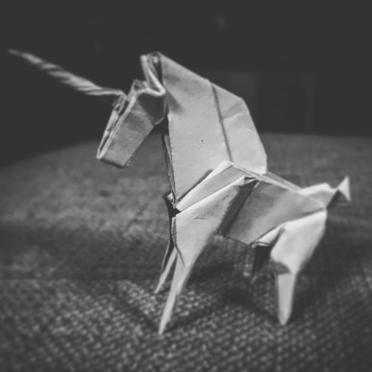 Origami Unicorn (Jo Nakashima) – On Whom The Pale Moon Gleams