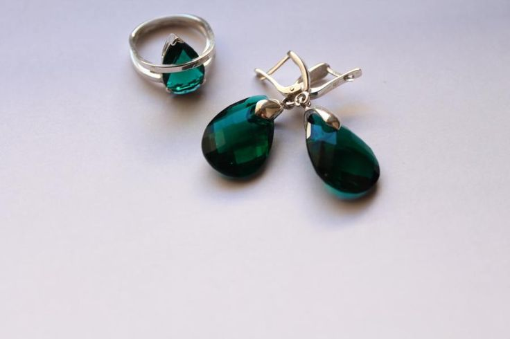Set of handmade silver earrings and ring with zircon by IDenteco