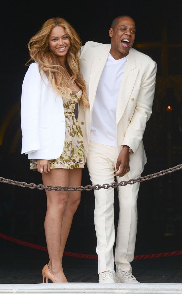 Beyoncé and Jay Z Get Mobbed By Fans at Tidal Headquarters After Attending Friend's Wedding  Beyonce, Jay-Z, Florence