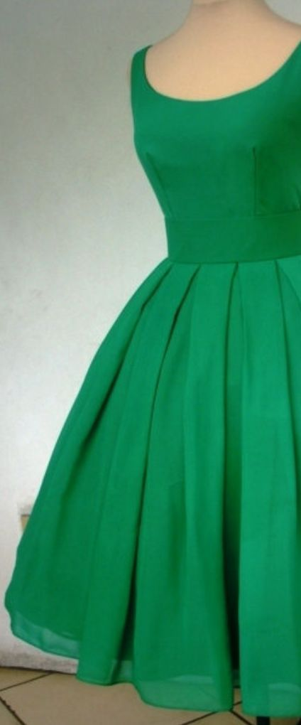 Emerald green chiffon dress with pleated tea length skirt, by www.elegance50s.co.uk. Beautiful and simple gown for the most special occasions!
