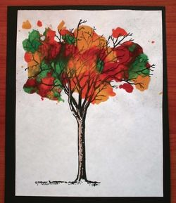 Quick & easy autumn leaf trees, with melted crayons! Includes 7 FREE bare branch tree patterns. The results are awesome! ;-)