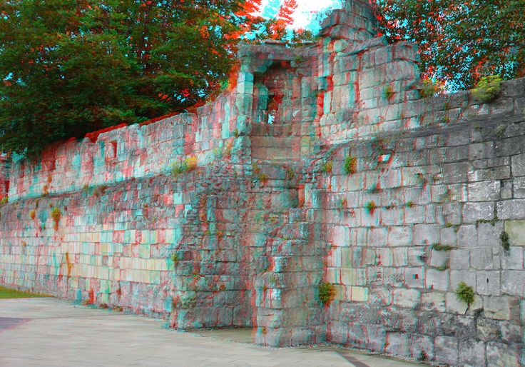 https://flic.kr/p/GH7rAz | City walls of York 3D | anaglyph stereo red/cyan