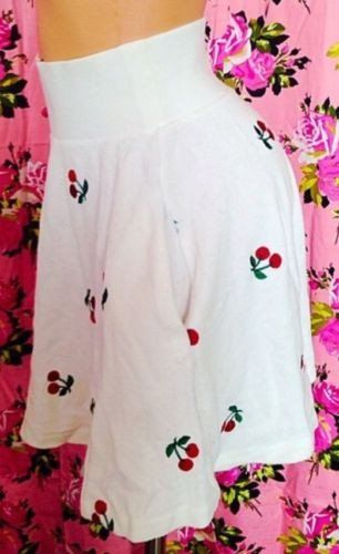 Betsey Johnson Cherry White Skater Skirt Short Mini Pinup Rockabilly Dress Small