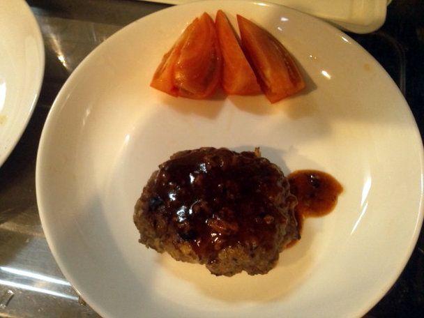 焼き上がりの肉汁を使った超簡単ハンバーグソースの作り方 | nanapi [ナナピ]