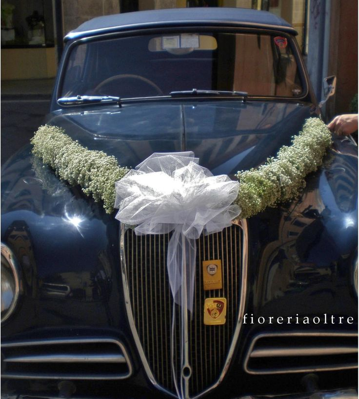 Fioreria Oltre/ Wedding car decoration/ Baby's breath