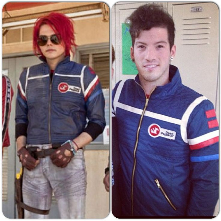Gerard Way and Josh Dun are wearing the same jacket.....DEAD.....