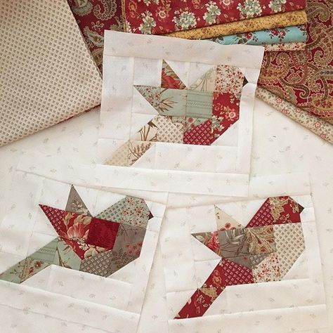 I started my Autumn Feathers quilt this week. I think I might need one for every season Can't wait to make a Christmas Feathers! #thepatternbasket #pdfquiltpatterns #feathersquiltpattern #showmethemoda