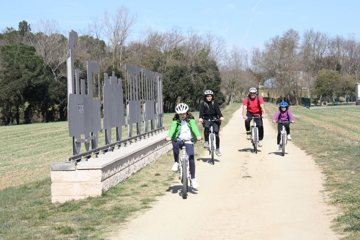 Family biking holidays to create a better bond, Catalonia Cycling