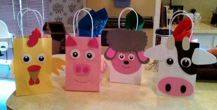 Favor bags for my daughters barn yard party.