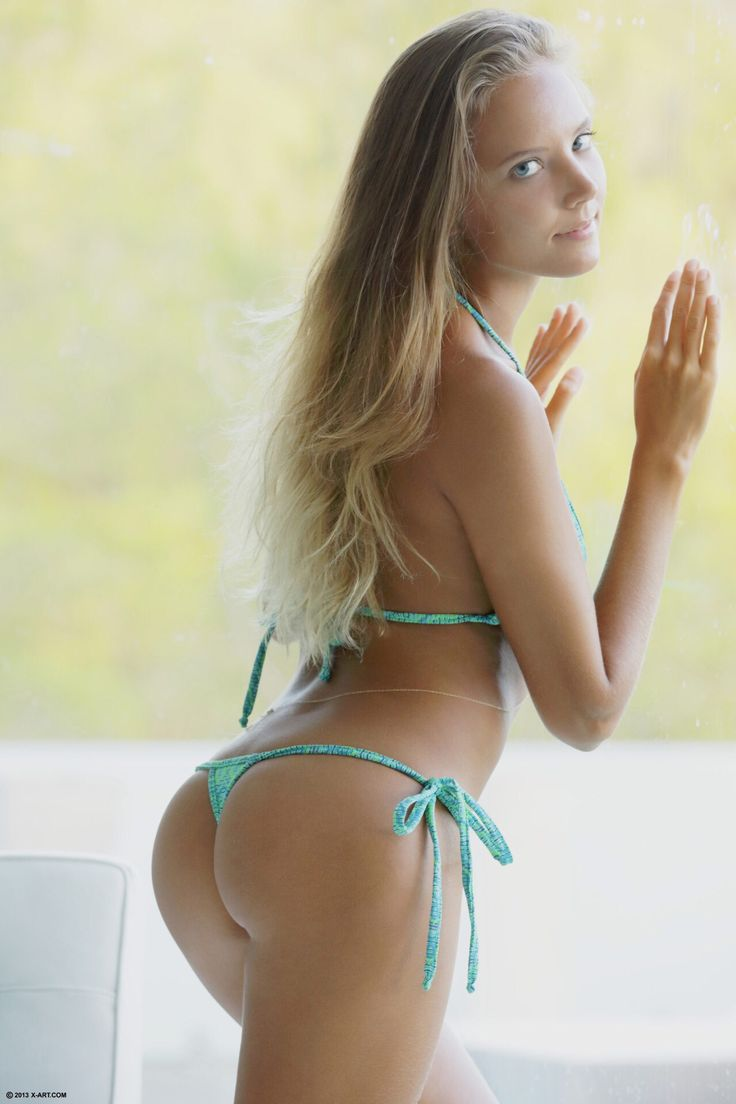 sexy nude women with nice butts