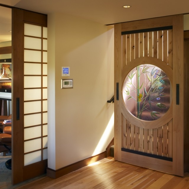 Japanese-style sliding panel to the left #house #interiors