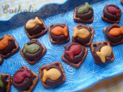 snack: Sunday Schools Snacks, Snack Ideas, Fisher Of Men, Kids Snacks, Chocolates Goldfish, Pretzels Bites, Preschool Snacks, Snacks Ideas, Kids Food