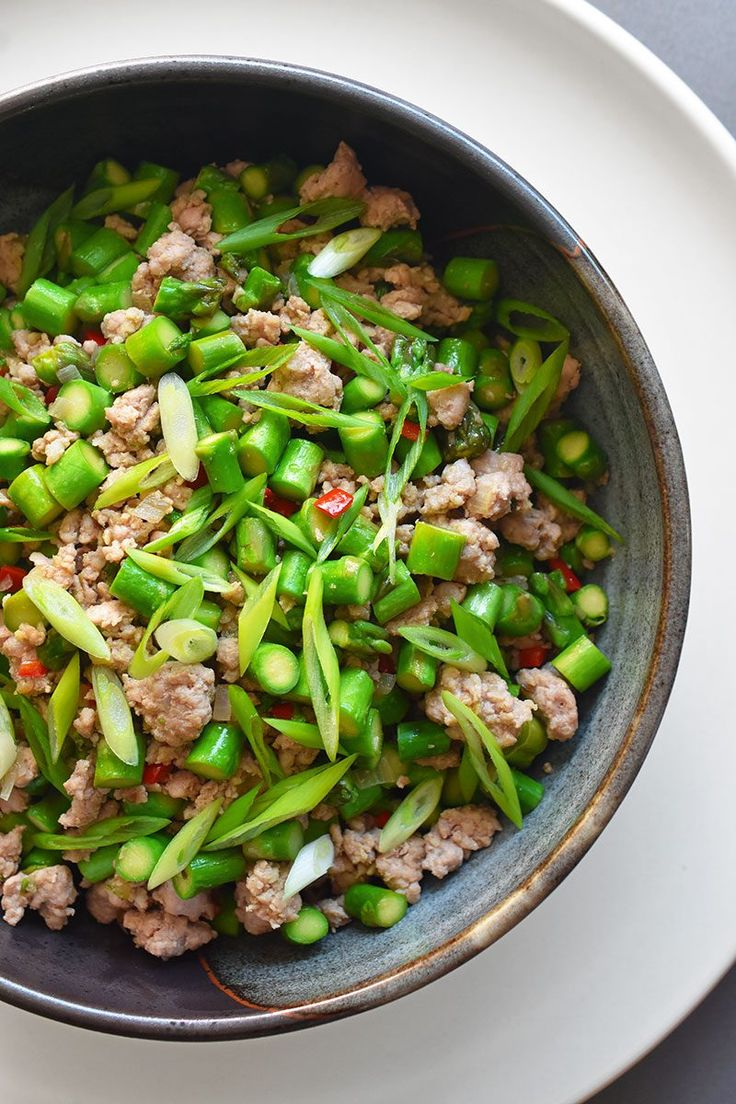 Spicy Pork and Asparagus Stir-Fry by Michelle Tam http://nomnompaleo.com