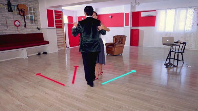 Argentine tango - Parallel soltada. Watch the entire lesson on www.tangomeet.com.