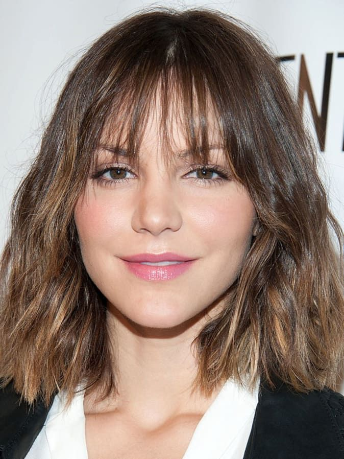 The Best And Worst Bangs For Diamond Faces Diamond Face Hairstyle Diamond Face Shape Hairstyles Wispy Bangs Round Face
