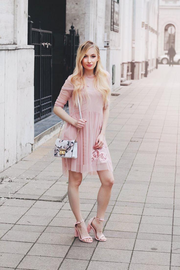 Dress: Mohito / Shoes: Cipőfalva.hu / Bag: F&F