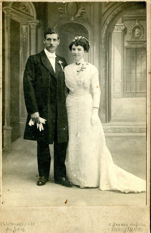 Wedding Photography with Antoine Geirges Volterra with Emilienne Converse, 1912. Europeana 1914-1918, CC BY-SA