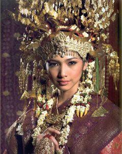 Palembangese bride.