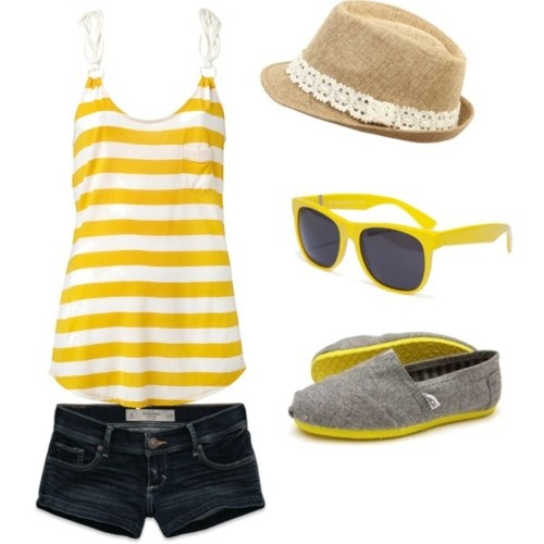 Cute Summer Outfit...Softball or soccer game I think so!