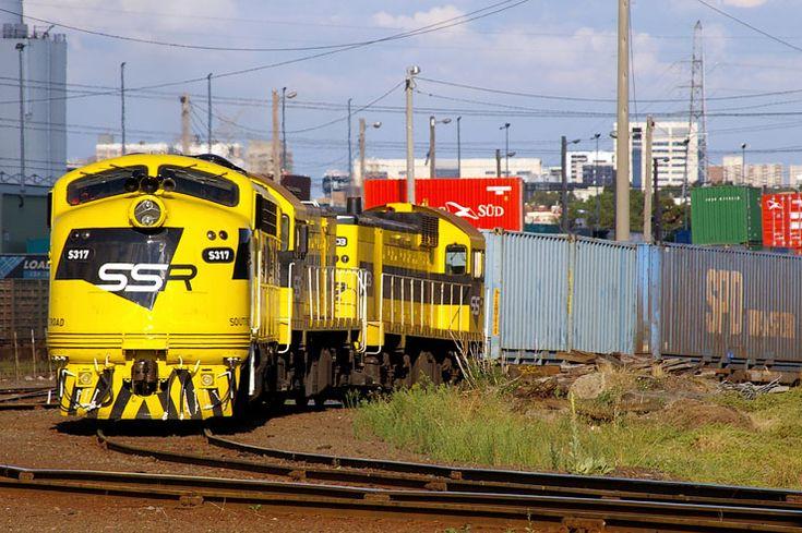 S317-J102-J103 shunt wagons at North Dynon