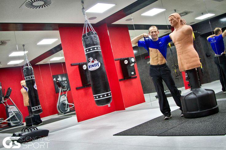 Český král shybů Jan Kareš začátkem dubna otevírá nové fitness na Praze 1