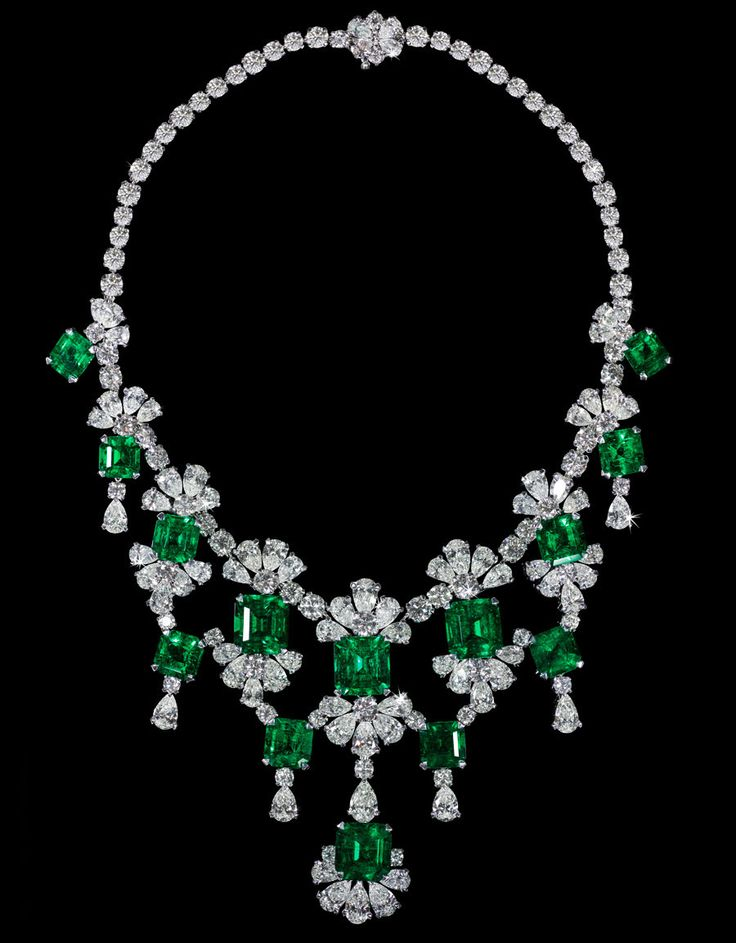 David Morris Old-Mine Natural Columbian Emerald & Diamond Necklace - emeralds weighing 83.90 carats and diamonds at 86.60 carats