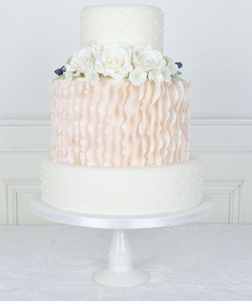 Ruffles and Roses #Bryllupskake #CakesbyHancock #Bryllup