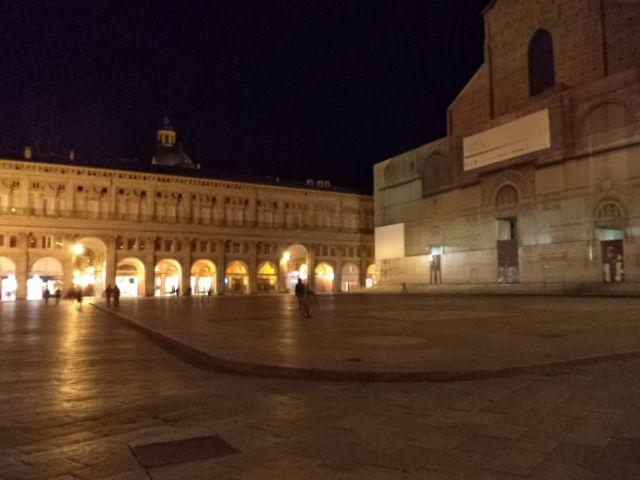 Bologna's night