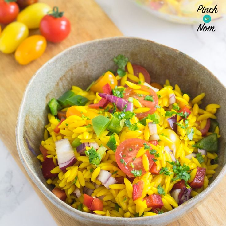 Quick and easy Syn Free Orzo Primavera Pasta Salad. Orzo is not rice, but pasta & it makes the perfect Slimming World friendly snack.