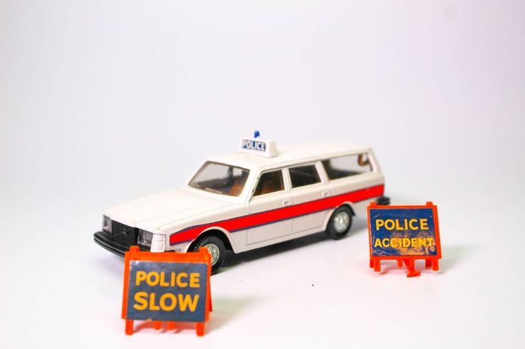 VINTAGE VOLVO 265 DL ESTATE CAR POLICE WAGON WITH SIGNS #DINKY