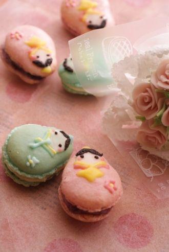 Russian Doll Macarons
