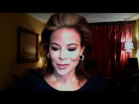False Eyelash Tutorial    I have decided I officially love wearing false eyelashes.  LOVE.  @Judith Kaye